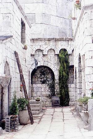 Street view of Minas Anor