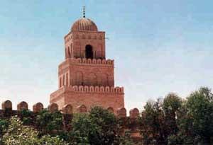 (image: http://wiki.lindefirion.net/images/UmbarTower.jpg)